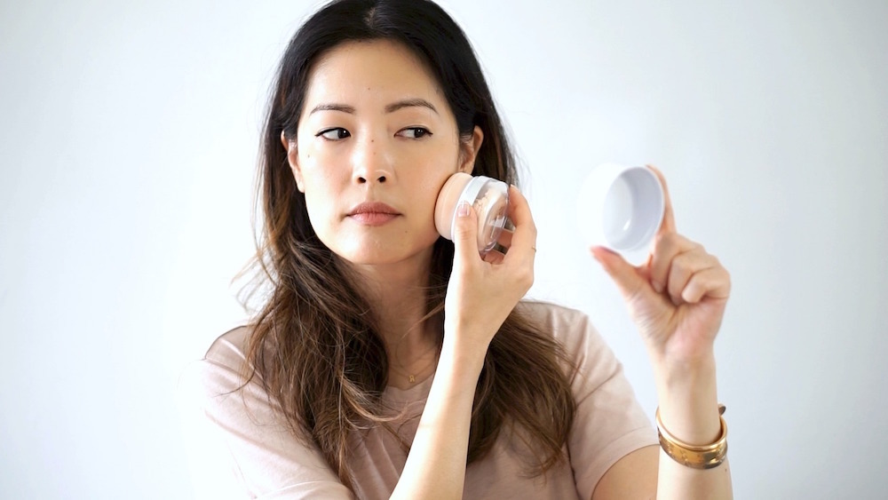 How To Reapply Sunscreen Over MakeUp